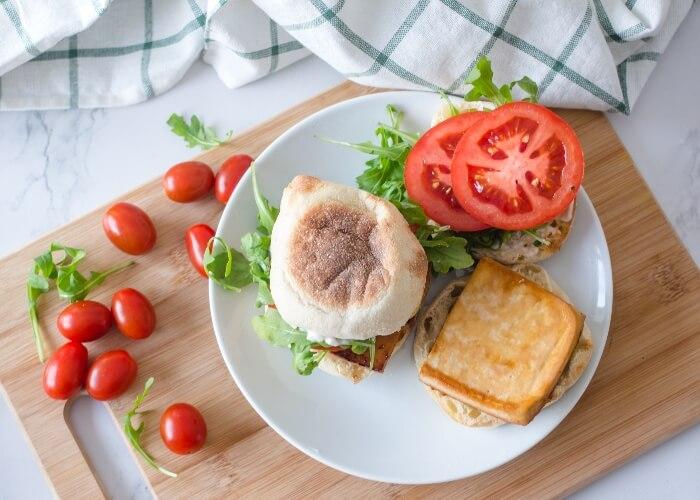 Vegan breakfast sandwich for relaxed weekend mornings