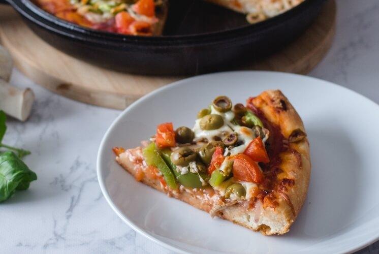 Vegan pizza layers