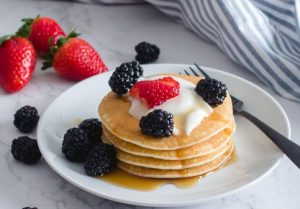 vegan-friendly-pancakes-and-berries